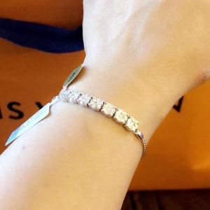 1ctw diamond bracelet in 10k white gold....